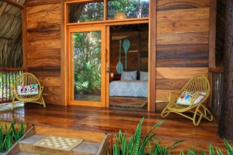 bungalow-selva-porch